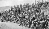 Soldados austríacos durante un descanso. Ampliar imagen