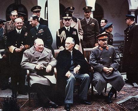 Churchill, Roosevelt y Stalin en Yalta