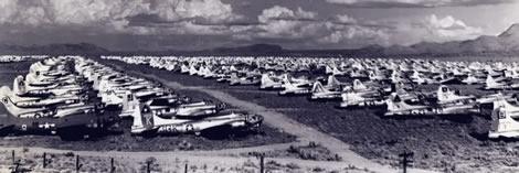Aviones estadounidenses de la II G.M esperando su desguace